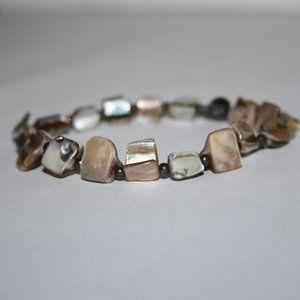 "Beautiful tan cream shell bracelet 7"""